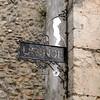 W. C. (carlos_ar2000) Tags: muro portugal metal stone wall bathroom pared antique lisboa wc signal baño antiguo alfama cartel señal piedra waterclosed castelodosaojorge
