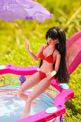 Nanami (astramaore) Tags: red summer green pool grass fashion toy bride doll ooak dramatic bikini 16 brunette swimsuit sekiguchi momoko dollphotography astramaore