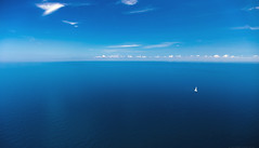 Di sole e d'azzurro ... (gio_guarda_le_stelle) Tags: blue sea italy seascape flying sailing helicopterview