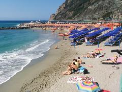 Cinque Terre 2016-06-27 10.32.33 (Herb Nestler) Tags: italy cinqueterre monterosso italianriviera