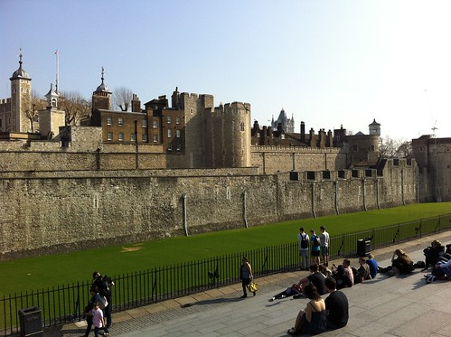 "Tower of London • <a style=""font-size:0.8em;"" href=""http://www.flickr.com/photos/28749633@N00/6866241572/"" target=""_blank"">View on Flickr</a>"
