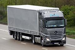 Mercedes Actros new look PO 724TP (gylesnikki) Tags: truck grey artic mp4 margonin