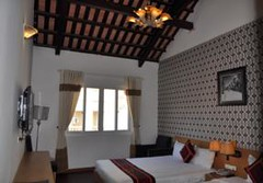 Guest old style room2.alt (hanoitouronline) Tags: halongbaytours traveltohanoi bookflightticket sapatrekkingtours booktrainticket hanoitoursinformation halongbayonalovacruises ninhbinhecotours hanoionedaytours halongbayonedaytours vietnamhoneymoontours hanoigolftours hanoivillagestours rentthecars