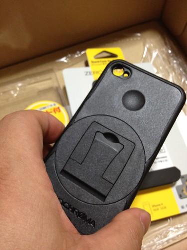 ZEROCHROMA iPhone4用スタンド付きケース