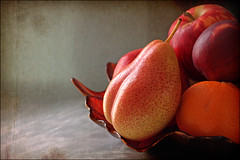 Nice Pear! (Trudie S) Tags: pink fruit bowl pear aged blush