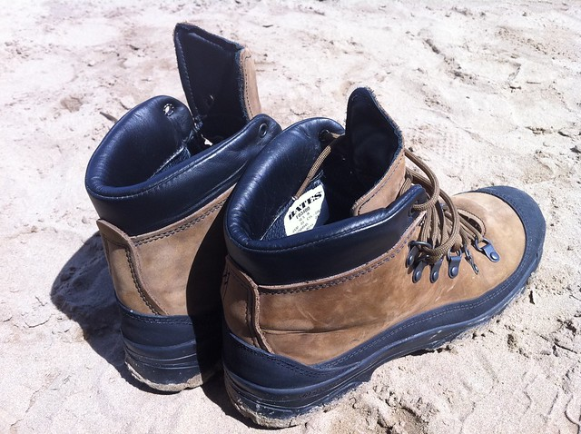 mountain mobile desert boots military bates issue gortex sof