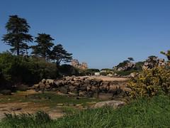 crique au vert (laetitiablabla) Tags: world france landscape brittany day bretagne breizh clear armor what coastline perros sans cotes ploumanach littoral guirec pareil