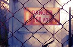 Danger (Pochi Soffia) Tags: city urban sign danger warning fence reja rust australia ciudad brisbane oxido peligro signage electricity electricidad highgatehill volts keepout seal oxide voltaje