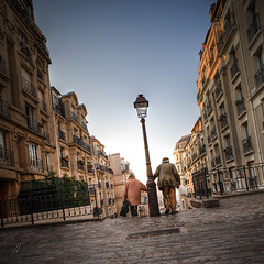 Titi Parisiens (Julien Fromentin - Photographe) Tags: city morning light paris france history monument architecture photoshop pose dark french effects long minolta sony capital montmartre pisa 20mm capitale 20 alpha towns postproduction f28 hdr sal titi masterpiece lampadaire francais citt lightroom lunga estoria historique effets parisien parisiens hudge a850 ciuda colocacin traitements dslra850 alpha850