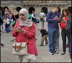 Communications these days... (martin alberts1) Tags: amsterdam nokia dam mobilephones gadgets damsquare mobieltje communicating telefoontje martinalberts