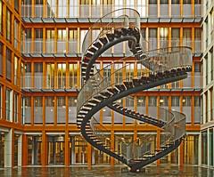 Treppenwitz (vil.sandi) Tags: 2004 munich münchen skulptur installation olafureliasson endlessstairs umschreibung kpmgzentrale endlosetreppe ganghoferstr mfipreiskunstambau