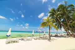 white sand of Boracay (Andy-Hsieh) Tags: travel blue sea sky orange green zeiss landscape 50mm sand sony carl f2 24mm boracay za  f28 a7 ssm  planar distagon oceam 14mm a7ii samyang   a72 a7m2 ilce7m2