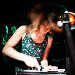 Terrier (Buzo666) Tags: madrid españa rock spain lofi terrier psicodelia psychedelic folkrock girlband trashpop garagepop salasilikona poppsicodélico fiestacocacola psycodellicpop