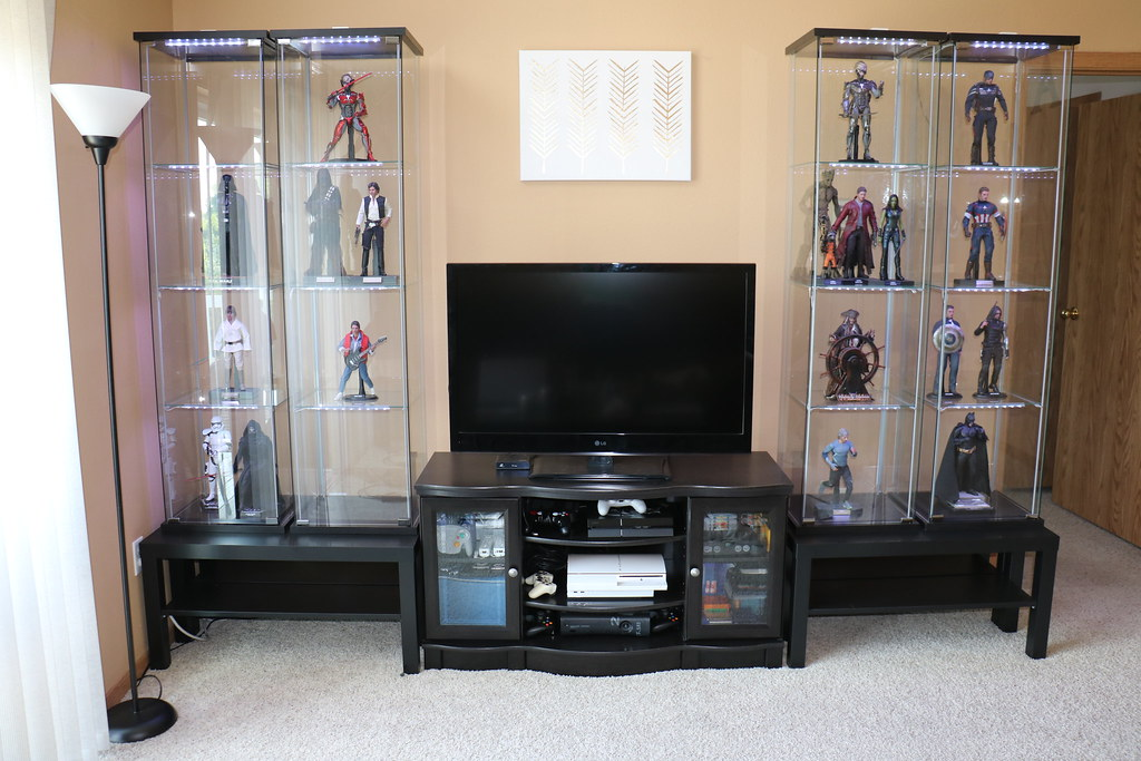The world 39 s best photos of detolf and toys flickr hive mind for Hot toys display case ikea