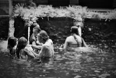 Holy water (Mango*Photography) Tags: people bali water indonesia temple holy wash tirta empul bergonzoni