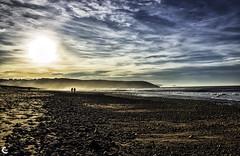 Confidencias... (carmen.fdez.mtnez) Tags: contraluz atardecer asturias playa xag carmenfernndez