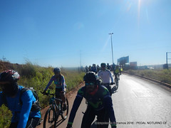 EE16-157 (mandapropndf) Tags: braslia df omega asfalto pirenpolis pedal pir noturno apoio extremos mymi cicloviagem extrapolando