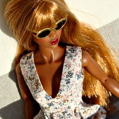 Tag Game: Summertime (Deejay Bafaroy) Tags: summer portrait sunglasses fashion closeup toys outdoors glamour doll dress sommer go barbie sunny it portrt to summertime makeda adele sonnig fr royalty sonnenbrille puppe draussen integrity taggame sommerkleid