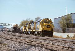 ATSF 3411 E 9th Hardesty 10 1987 (Sneebly) Tags: emd atsf gp392 trainsaroundkansascity
