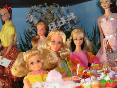 Fluff, Walker (walk lively Barbie) and PJ (Flava Sweet) Tags: party vintage garden easter mod picnic dolls barbie skipper tommy fluff pj kelly tiff francie midge flavasweet