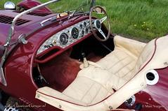 1972 Kougar Jaguar 4.2 Litre interior (ClassicarGarage / Marc Vorgers) Tags: red rot classic leather dark beige burgundy interior interieur sony bordeaux marc service jaguar 1972 rood 42 leder slt dunkel litre donker xj altena cuir a55 kougar vorgers classicargarage sal1650ssm