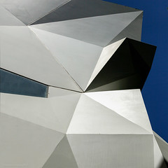 ― Paper CastleS ~ 紙の城 (roB_méL) Tags: light urban abstract lines architecture colours shadows graphic geometry australia melbourne palm absolut abstraction abstrakt geometrie abstracted urbangeometry archittetura artonthestreets geometriegeometry creattività graphicarchitecture abstractedreality architectureinmelbourne