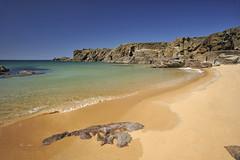 Plage de la Belle Maison [ le d'Yeu ~ Vende ~ France ] (emvri85) Tags: wild sun beach coast soleil sand rocks cliffs rochers falaises le yeu iledyeu dyeu ctesauvage ledyeu leefilters mygearandme labellemaison kerdaniau