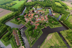 Vesting (fort) Bourtange [explored] (KAPturer) Tags: kite holland netherlands dutch fort nederland aerial fromabove kap groningen birdseyeview kiteaerialphotography luchtfoto vanboven vlieger bourtange fled westerwolde boertange vlagtwedde vliegerfoto kapturer jipsing