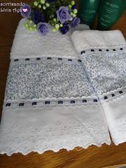 toalhas... (sorrisando- patch e afins) Tags: casa artesanal toalha patchwork decorao jogo banheiro presente toalhas barrado