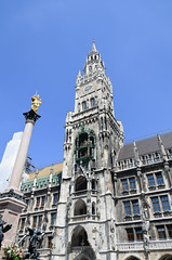 Neues Rathaus and Mariensäule Photo