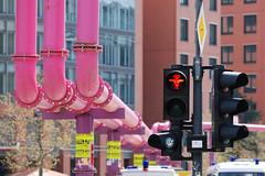 Farbflash (Alexandra - objektiv) Tags: pink rot kunst ampelmnnchen farben abstrakt formen rohre berlincitystdte