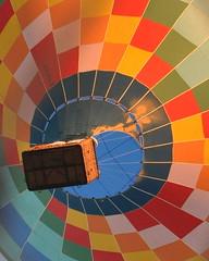 Botando fogo! (AlexJ (aalj26)) Tags: color cores balo fogo chama balon alexj alexanderaugustodelimajorge aalj26