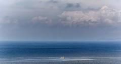 Mar de Malpica (Jose Losada Foto) Tags: acorua campo cielo ciudadesypueblos espaa excursin fotografia galicia iglesia joselosada lugares malpica mar naturaleza nikon nikond90 nubes paisajes malpicadebergantios bergantios comarcadebergantios costadamorte azul blue agua