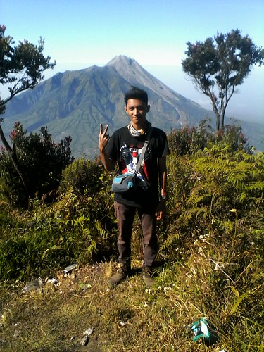"Pengembaraan Sakuntala ank 26 Merbabu & Merapi 2014 • <a style=""font-size:0.8em;"" href=""http://www.flickr.com/photos/24767572@N00/27067799032/"" target=""_blank"">View on Flickr</a>"