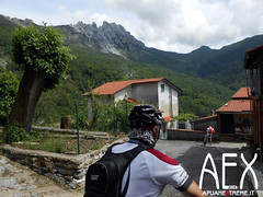 Lizzari-39 (Cicloalpinismo) Tags: parco mountain bike video foto extreme mtb cai monte sentiero alpi aex 190 apuane appennino vinca vetta foce escursione altana ugliancaldo cicloalpinismo cicloescursionismo lizzari