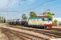 652 011 (atropo8) Tags: italy train nikon tank merci zug cargo verona treno freight trenitalia veneto d610 vtg 652011