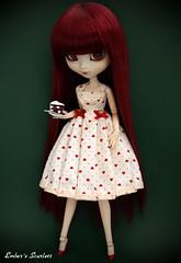 Happy Birthday Miss Scarlett! ♥ (pure_embers) Tags: birthday uk scarlett cake dark hearts dolls dress gothic queen pullip pure lunatic embers obitsu lunaticqueen