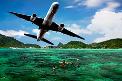 Phi Phi Island - AirPlane (Abdulaziz ALKaNDaRi | Photographer) Tags: sea people fish color colour beach water speed swimming canon lens airplane thailand outdoors island photography eos rebel high fishing aperture asia exposure photographer phi view place shot quality iso photograph thai hq phuket scape length 18200 ef 2012 waterscape southasia asin طياره focal جزيره دولة البحر abdulaziz عبدالعزيز بحر 550d جزيرة بوكيت المصور تايلند طائره t2i دوله kesslercrane الكندري flickrlandscape alkandari فوكيت blinkagain abdulazizalkandari