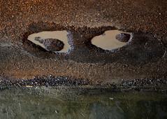 occhi storti - cross-eyed (sharkoman) Tags: pareidolia occhi pozze sharkoman