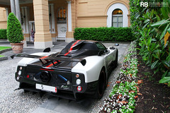 Zonda Cinque Roadster 1 of 5 (Raphal Belly) Tags: red white lake black como car lago rouge photography eos one 1 noir photographie 5 five stripe 15 belly 7d villa di passion este blanche raphael rb spotting cinque zonda amg marbella cernobbio supercars roadster deste v12 pagani raphal horacio spannish concorso eleganza guarnieri deste worldcars