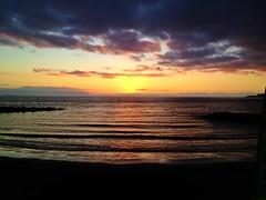 Cuando el sol se esconde (Yavanna Warman {off}) Tags: sunset summer sky orange sun sol beach clouds atardecer mar agua playa canarias cielo nubes reflejo verano tenerife puestadesol naranja canaryislands islascanarias iphone océano lagomera sooc playadelasaméricas iphone4s