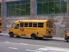 New York - Schoolbus (bartlinssen1968) Tags: newyork manhattan thebigapple schoolbussen