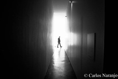 l otro mundo  (carlosnaranjo1) Tags: uploaded:by=instagram lightroom oneshot lightshow pasillo