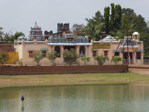 Temple, Kanadukathan