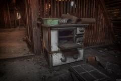 alter Herd/Ofen (fmpixx) Tags: abandoned oven herd ofen verlassen kochen lostplace