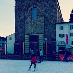 florence #italy #oltrarno #piazzadelcarmine #iceskating #winter... (ER-Photo) Tags: christmas winter sunset italy florence iceskating oltrarno piazzadelcarmine uploaded:by=flickstagram instagram:photo=11492881600993900202204679691