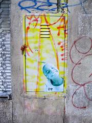 Smile (D11 Urbano) Tags: boy art girl poster stencil arte venezuela nios caracas urbano venezolano arteurbano d11 streetartvenezuela artvenezuela d11streetart arteurbanovenezuela d11art d11urbano