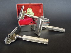 Ever-Ready SE trio (Matthew Wild) Tags: classic vintage se antique shaving 1912 1914 razorblade razor 1924 shovelhead everready safetyrazor wetshave singleedge everready1914 everready1912 everready1924