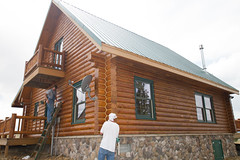 chinking.jpg (Log Home Finishing) Tags: colorado maintenance restoration care breckenridge contractor frisco summitcounty cabins fairplay staining parkcounty caulk loghomes chinking restain removestain mediablasting sashco loghomefinishing 58australian