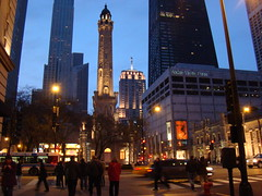 chicago at night (Minh-Chau Doan) Tags: street chicago sony h9